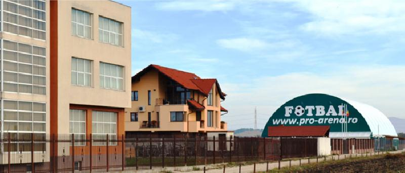 Detalii, baza sportivă și cazarea la Brașov, Campionatul Regional S-E