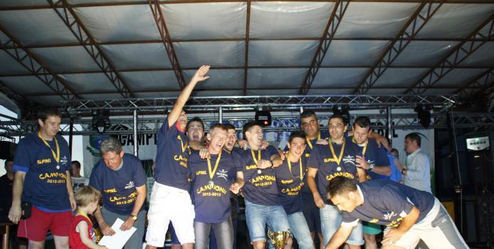 Realsport Deva - Invingatori de la prima strigare. C.S.D. - sau Campionii Superligii (din) Deva