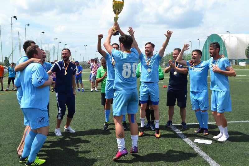 Coriolan Bacău - noua campioană națională a Firmelor și Instituțiilor!
