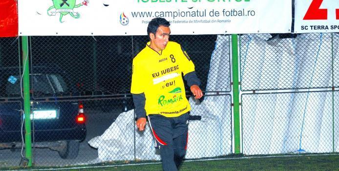 Bucuresti: Adrian Iencsi, la primul meci oficial de minifotbal