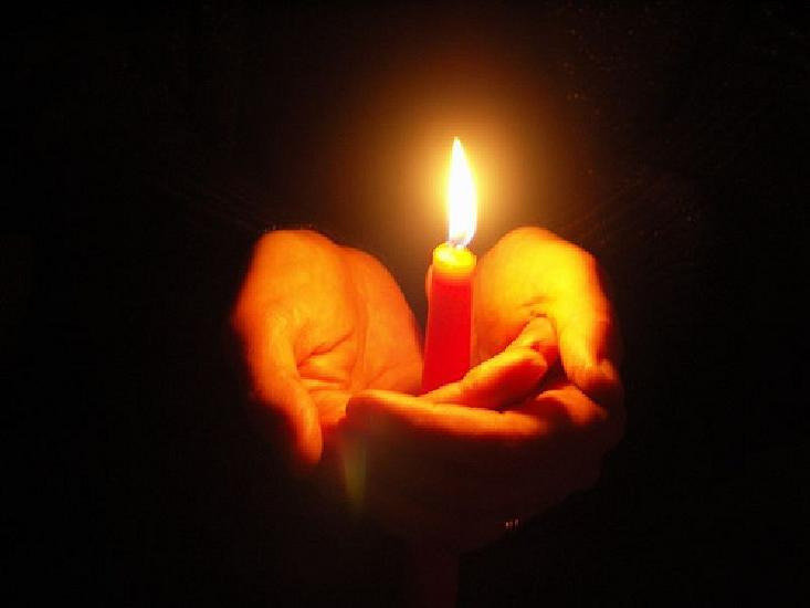 Condoleante familiilor indurerate dupa tragedia de la clubul Colectiv