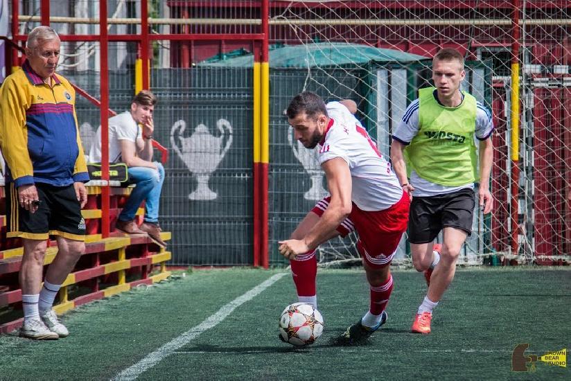 IASI: CUPA FIRMELOR - E.ON castiga derby-ul cu Atexis si urca pe primul loc