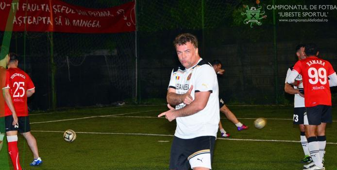 Adrian Enache, one man show la debutul in minifotbal