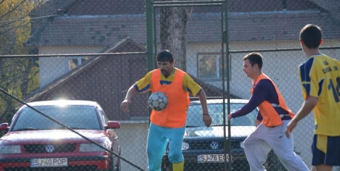 SALAJ: Salamandra preda o lecţie de fotbal postasilor rapizi