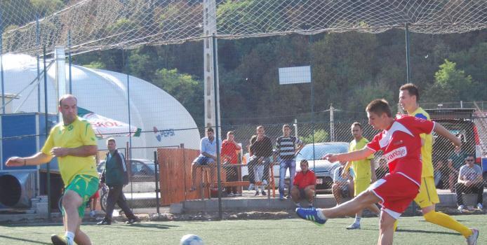 Realsport Deva - Chef de fotbal dupa pauza. Certitudini in Superliga, lupta incinsa in Liga B